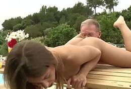 Tighty Convention Young Girl Fucked Grandpa Sucked his Venerable Cock coupled with Intermittent pussy