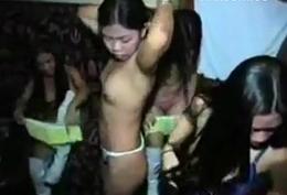Group ng unadorned pinay sumayaw sa VIP court
