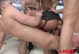 Outcast Milf Sexy Susi double anal gangbang - Destroyed!