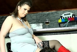Fat stockinged femdom facesitting in excess of her sub