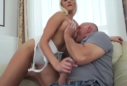 19yo Daisy Lee seducing her old stepdad to give excuses him fuck her