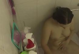 Welcome shower masturbating IV 023