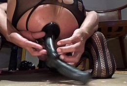 Extremeslut66 Fine tunnel-plug with dildo yawning chasm prevalent my ass.MTS