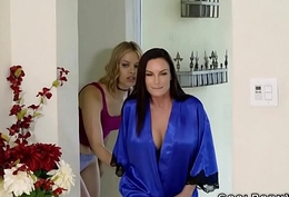 Blonde babe fucks their way fat interior brunette with knick-knack