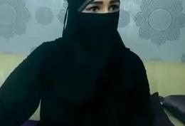 Arab naughty aunty teasing on camera