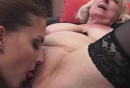 Mature dyke pussylicked by young loveliness