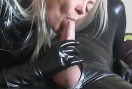 Cumshot adjacent to this manner lady adjacent to latex