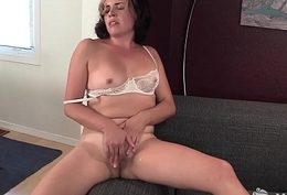 Nasty Yanks Newborn Natalya Masturbates
