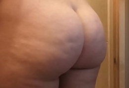 Milf with a Chubby ass
