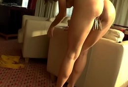 Gaping beauties spread their buns