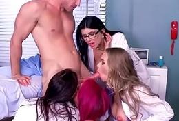 (Anna Bell Peaks &amp_ Nicole Aniston &amp_ Rachel Starr &amp_ Romi Rain) Hot Patient Get Hardcore N