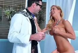 (Cherie Deville) Hawt Patient Get Hardcore Nailed Apart from Water down clip-17