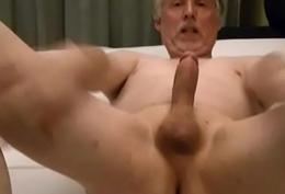 TPV - Pornmodel Tom alone in a hotel