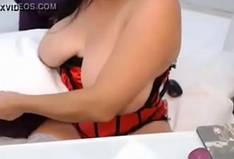 Bbw big boobs from webcamhooker.us plays on cam