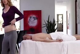 Grasping aureate TS gets her asshole ripped