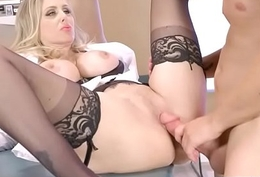 Doctor Easy Seduce And Bang Powered Patient (Julia Ann &amp_ Kylie Page) mov-14