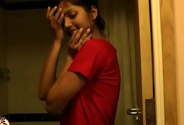 Super Hot Indian Indulge Divya Not far from Shower - Indian Porn