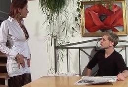 Freund fickt seine rothaarige Freundin hart und dreckig - Layman