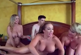 (Julia Ann &amp_ Phoenix Marie &amp_ Richelle Ryan) Hot Pornstar Girl Love Big Mamba Cock In The brush cli