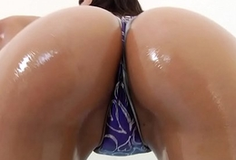 Asian Vicki Chase Receives The brush Ass Hammered